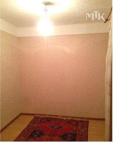 продаётся трёхкомнатная квартира в центр ...