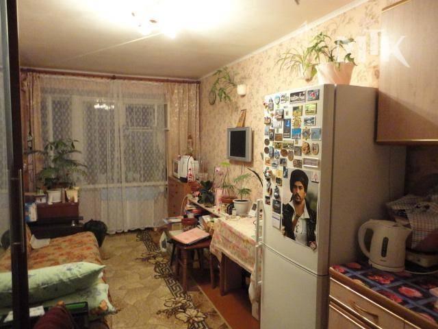 Комната с балконом в общежитие, 1100000 руб..
